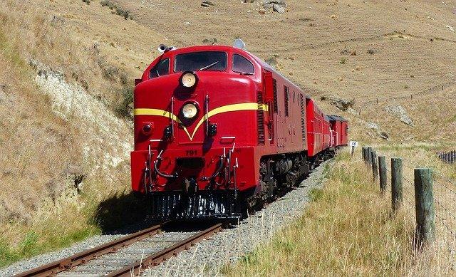 červená lokomotiva