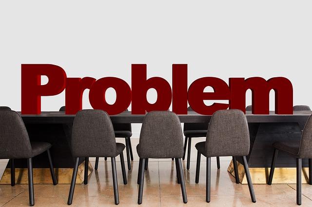 problém na stole