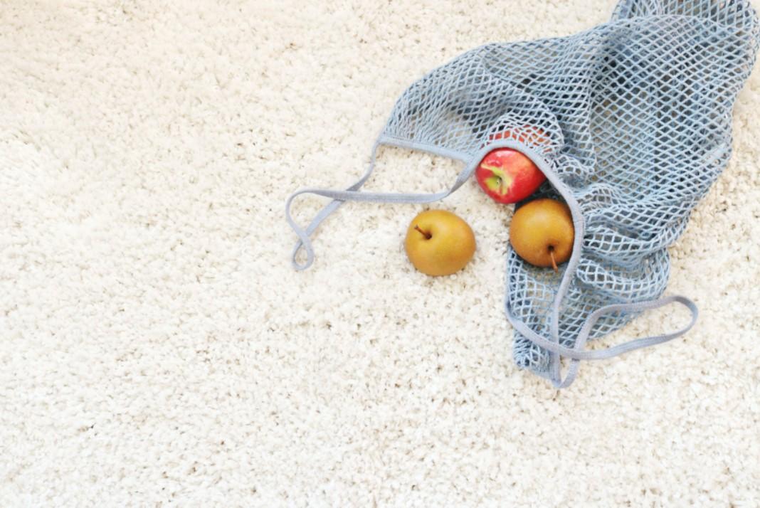 jablka na koberci