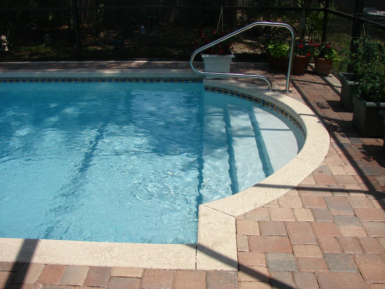 příjemný bazén